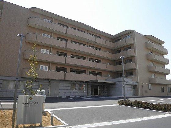 【新大阪駅前店】住宅型有料老人ホーム「ベストライフ枚方」